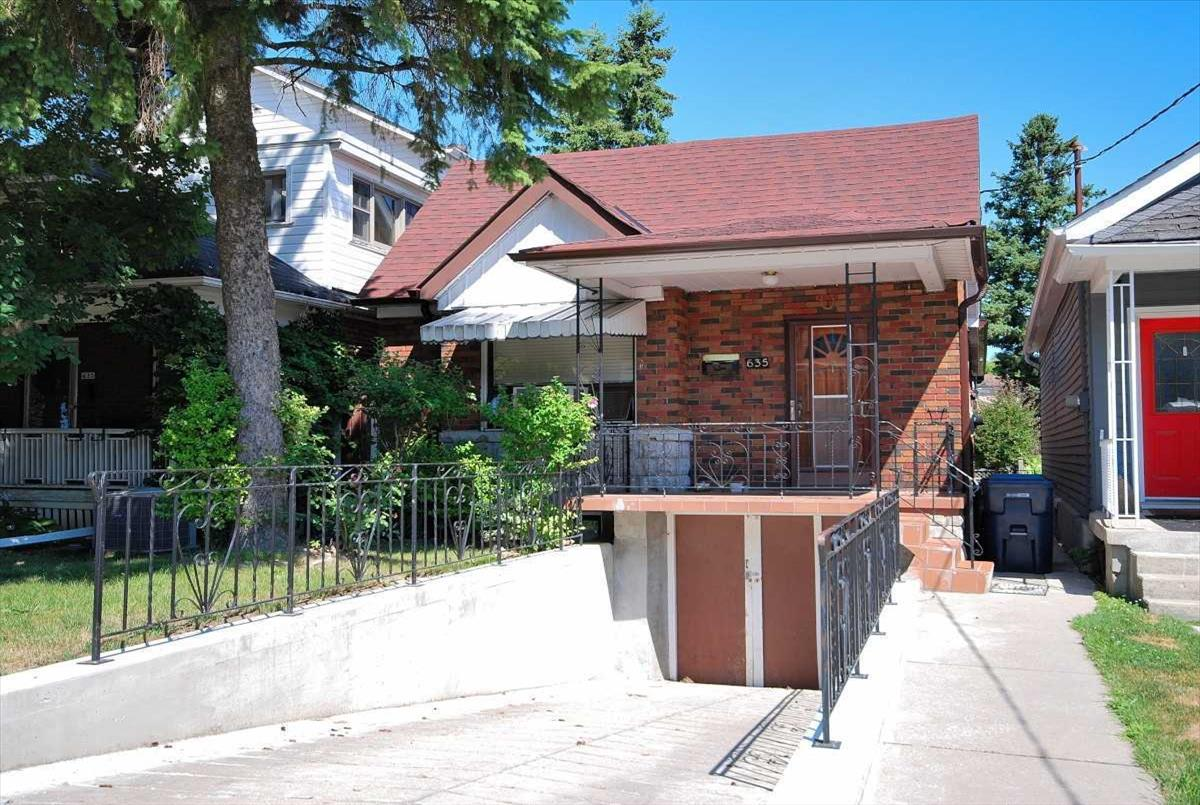 635 Rushton Rd Toronto Kenneth Sek
